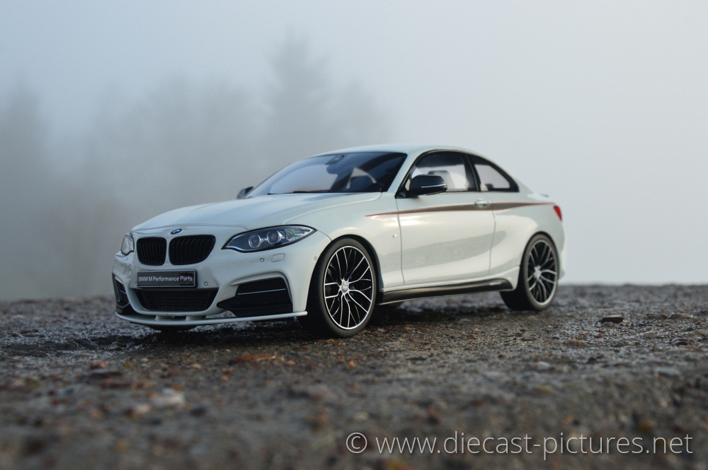 BMW M235i F32 White GT Spirit 1:18