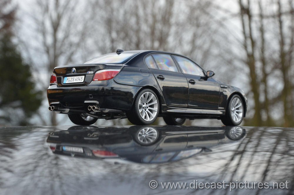 Bmw m5 e60 black kyosho 118 sciox Images